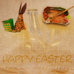 Happy Holidays! Happy Easter Buona Pasqua Pessach Frohe Ostern - Sprichwort: Scherben bringen Glück (hedbavny) Tags: easter rabbit hase hare bunny osterhase basteln diy handcraft eierkarton handicrafts tinker eggbox box tray eggtray eggkarton karton korb geflochten basket bunt farbenfroh color colorful orange beige brown ocker sepia green grün red rot acryl stilllife greetings letter tischtuch tablecloth fabrique stoff jute textile fransen water wasser glas glass broken scherben glasscherben palette pinsel farbe acrylic braun hedbavny vienna austria brush farbpalette spring frühling