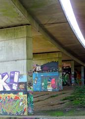 Graffiti under the Winnersh A3290 flyover April 2019  (3) (karenblakeman) Tags: readinggreendrinkswalk loddon berkshire uk april 2019 river bridge graffiti a3290flyover