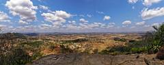 Panorama des environs d'Ambohimanga Rova (Livith Muse) Tags: panorama paysage colline champ nuage ambohimanga vakinankaratra madagascar mirrorless μ43 micro43 lumixgvario714f40 panasonic714mmf40 panasonic lumix g80 afrique 7mm
