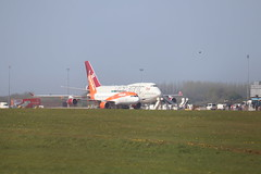 747 vs A320 BFS 21/04/19 (ethana23) Tags: planes aviation easyjet virgin atlantic boeing airbus a320 747 747400