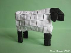 Mouton (Origaiku) Tags: origami modulaire modular mouton sheep pixelunit