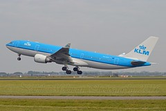 """Federation Square - Melbourne"" KLM Royal Dutch Airlines PH-AOF Airbus A330-203 cn/801 @ Polderbaan EHAM / AMS 14-10-2016 (Nabil Molinari Photography) Tags: federationsquaremelbourne klm royal dutch airlines phaof airbus a330203 cn801 polderbaan eham ams 14102016"