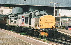 37407 Bristol Temple Meads 18/09/99 (andyk37) Tags: 37407 2o90 374 transrail bristoltemplemeads 180999 class37 locohauled