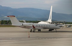 4L-GAF Gulfstream G450 (Ray's Photo Collection) Tags: geneva switzerland bizjet 4lgaf geneve gva airport flughafen suisse swiss aircraft flugzeug avion gulfstream g450