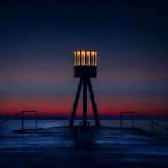 Bellevue pier lighthouse (ibjfoto) Tags: bellevue bellevuebeach bellevuestrand bluehour blåtime ibjensen ibjfoto sjælland zealand seascape