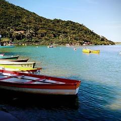 Canoas da Guarda do Embaú na sexta-feira santa.#motog #guardadoembau #praia #praiasdepalhoça #praiassc (L.S. Alves) Tags: ifttt instagram moto g