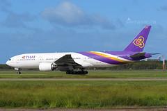 HS-TJR B772 THAI AIRWAYS YBBN (Sierra Delta Aviation) Tags: thai airways boeing b772 brisbane airport ybbn hstjr