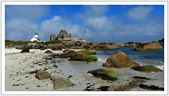 La plage de Brignogan  -  Brignogan Beach (diaph76) Tags: extérieur france bretagne finistère phare headlight paysage landscape rochers plage beach mer sea eaudemer seawater sable sand