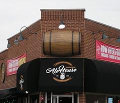 "Giant Barrel (Vinny Gragg) Tags: •template ""roadsideattraction"" ""roadsideattractions"" ""roadsidestatue"" ""roadsidegiants"" ""roadsidestatues"" ""roadsideoddities"" statues statue ""roadsideart"" giants sign signs brookfieldillinois brookfield bar bars tavern restaurant restaurants giantbarrel barrel barrels alehouse brookfieldalehouse"