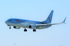 DSC03941 (richellis1978) Tags: ema east midlands airport airliner aeropark airplane aeroplane boeing 737 tui gfdzz 7378k5 airways