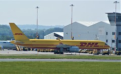 DSC03910 (richellis1978) Tags: ema east midlands airport airliner aeropark airplane aeroplane boeing dhl freighter freight cargo gdhkt 757 75720f