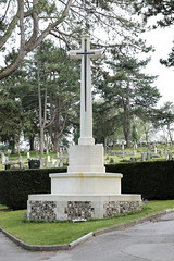 Cross of Sacrifice Magdalen Hill Cemetery Winchester Hampshire UK (davidseall) Tags: cross sacrifice magdalen hill cemetery winchester hampshire uk gb cwgc cemetary ww1 ww2 world war great 1st 2nd first second monument memorial