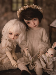 Conte de Primavera (Underthefern) Tags: cocoriang toby littlecosmosdolls little cosmos dolls msdoll vintage reading bjd books