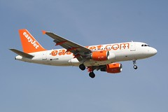 G-EZBB (IndiaEcho) Tags: gezbb a319 airbus easyjet u2 ezy london gatwick egkk lgw airport airfield crawley west sussex england canon eos 1000d civil aircraft aeroplaneaviation airliner approach landing sky 08