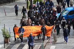 Des travailleurs qui veulent avoir les droits de tous les locataires (Jeanne Menjoulet) Tags: manif demo demonstration manifestation travailleurs étrangers résidence locataires droits paris ménilmontant ruejulienlacroix émigrés africains