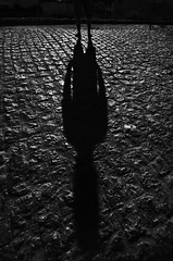 (Hélder Santana) Tags: santana iagosantana héldersantana heldersantana photography fotografia portfolio brasil brazil hdsantana preto branco pretoebranco black white blackandwhite monocromatico monochrome natural light luz naturallight luznatural moonlight lua luzdalua moon night noite chiaroscuro claro clear escuro dark contraste contrast lowkey raw passira pe pernambuco retrato portrait people pessoa rua street streetphotography fotografiaderua cidade city cityscape urban urbana lens zoom wide tokina 1116 tokina1116 tokina1116mm 28 f28 tokina1116mmf28atx116prodx tokina116 tokina1116f28atx116prodx tokina1116f28atxpro d7000 nikon nikond7000 d7k dslr nikoncamera pedras stones