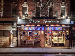 DIDX7774--51Mpx_available (Did From Mars) Tags: caffepalermo caffépalermo cannoli cannoliking littleitaly manhattan ny nyc newyork night us usa fujifilm gfx50s mf moyenformat mediumformat digital numérique fuji gfx