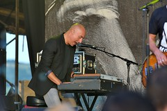 384-20180603_14th Wychwood Music Festival-Cheltenham-Gloucestershire-Main Stage-Feeder-keyboards (Nick Kaye) Tags: wychwood music festival cheltenham gloucestershire england