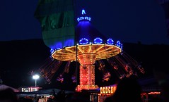 407-20180602_14th Wychwood Music Festival-Cheltenham-Gloucestershire-Funfair Swinging Chair ride at night time (Nick Kaye) Tags: wychwood music festival cheltenham gloucestershire england
