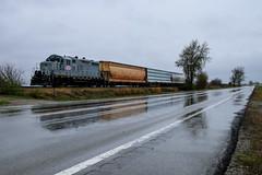 Ghost of the Clover Leaf (BravoDelta1999) Tags: easternillinois eirc railroad cloverleaf cl railway toledosaintlouisandwestern tstlw neoga illinois emd gp9 1040 grain manifest train