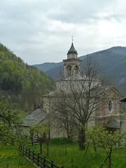 Pamparato (Cn) - Val Casotto (Marco M82) Tags: pamparato piemonte nature natura piemont piedmont panorama paesaggi valcasotto cn alberi albero chiesa church