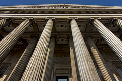 UK - London - British Museum Entrance 03_DSC5469 (Darrell Godliman) Tags: uklondonbritishmuseumentrance03dsc5469 britishmuseum museum london bloomsbury architecture building uk unitedkingdom gb greatbritain britain england europe facade columns column pediment