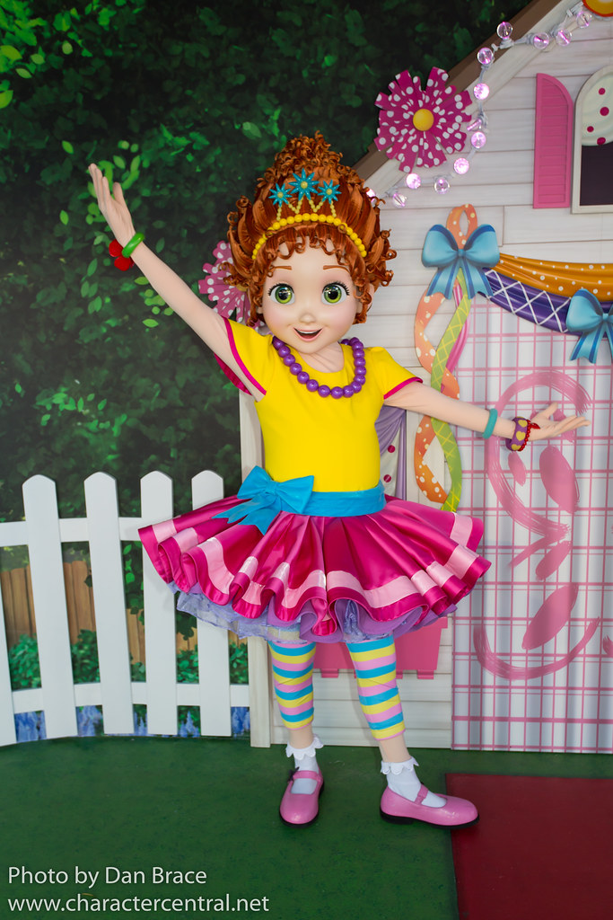 Fancy Nancy Nancy Clancy At Disney Character Central
