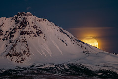 Mountain Moonset and Avalanches (TierraCosmos) Tags: moonset moon fullmoon settingmoon bluehour sunrise mountain snow snowypeak northsister threesisters cascades oregon centraloregon landscape morning twilight