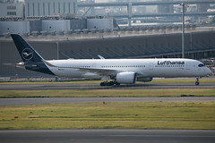D-AIXJ A350-900 Lufthansa (JaffaPix +5 million views-thanks...) Tags: daixj a350900 350 a350 a359 airbus lufthansa dlh jaffapix davejefferys tokyoairport japan aircraft airplane aeroplane aviation flying flight runway airline airliner hnd haneda tokyohaneda hanedaairport rjtt planespotting