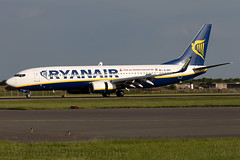 EI-DHT Ryanair B737-800 London Stansted Airport (Vanquish-Photography) Tags: eidht ryanair b737800 london stansted airport vanquish photography vanquishphotography ryan taylor ryantaylor aviation railway canon eos 7d 6d 80d aeroplane train spotting egss stn londonstansted stanstedairport londonstanstedairport