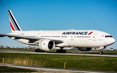 Air France 777-200ER YYZ/CYYZ (Sonny Photography) Tags: toronto planespotting 777 777200er aviation avgeek airfrance france french plane aircraft 70300mm