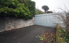 roadblock (chrisinplymouth) Tags: road england metal fence plymouth wideangle devon promenade barrier roadblock firestonebay diag r120 desx cw69x diagonal plain plymgrp perspective cameo 2019 devilspoint