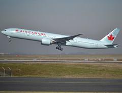 C-FKAU, Boeing 777-333(ER), 62401 / 1401, Air Canada, fleet # 749, CDG/LFPG 2019-02-16, off runway 27L. (alaindurandpatrick) Tags: 624011401 cfkau 777 773 777300 boeing boeing777 boeing777300 jetliners airliners ac aca aircanada airlines cdg lfpg parisroissycdg airports aviationphotography
