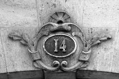 14 (just.Luc) Tags: number digits cijfers getal chiffres 14 huisnummer housenumber bn nb zw monochroom monotone monochrome bw bordeaux gironde nouvelleaquitaine france frankrijk frankreich francia frança house maison huis haus