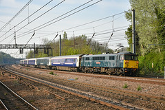 87002 t&t 90046 - Harringay - 22/04/19. (TRphotography04) Tags: caledonian sleeper liveried 87002 royal sovereign leads lowlander ecs 5e35 0750 london kings cross wembley inter city depot past harringay hired freightliner 90046 was rear short formed 12 coach train sleepers where diverted due engineering work outside euston