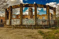 Les ruines du temple (Jean-Marie Lison) Tags: x100t bruxelles anderlecht parcastrid buvette cheminée incendie barrières