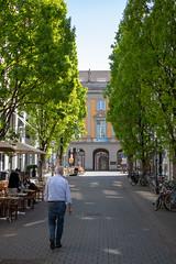 Street - Bonn (orangutanclaus) Tags: stadt city strase street menschen people bonn