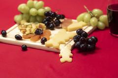 Still_editado_MG_7990 (Guilherme Piva M) Tags: still food comida foto alimento torta pie uva queijo cheese grape green damasco seco scheepes yas coca cola coke serra malte limão lemon