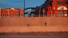 Y morglawdd / The sea wall - Blackpool (Rhisiart Hincks) Tags: •blackpool sirgaerhirfryn fyldecoast lancashire lloegr powsows england sasana brosaoz ingalaterra angleterre inghilterra anglaterra 英国 angletèrra sasainn انجلتــرا anglie ngilandi fylde holidayresort morglawdd seadefence coucherdusoleil zonsondergang dulfaoinagréine machlud auringonlasku kuzhheol ilunsenti solpor tramonto sonnenuntergang napnyugta sunset dolfodhanagrèine lhienygreiney zachódsłońca solnedgång cysgod skeud dubhar shade itzal scáth plaja trá playa hondartza tràigh beach traeth traezh traezhenn plage strand pláž ranta praia пляж