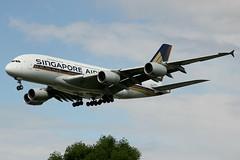 9V-SKR | Airbus A380-841 | Singapore Airlines (cv880m) Tags: london heathrow lhr egll uk gb england aviation airliner airline aircraft airplane jetliner airport 9vskr airbus a380 388 380800 380841 sia singapore singaporeairlines asia raffles superjumbo