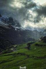 Óleo somedano (danielfi) Tags: asturias asturies somiedo peral paisaje landscape naturaleza nature mountain montaña teito cielo sky ngc
