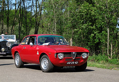 1969 Alfa Romeo GT 1300 Junior (rvandermaar) Tags: 1969 alfa romeo gt 1300 junior alfaromeo alfagt alfaromeogt gtjunior sidecode1 import ar2842