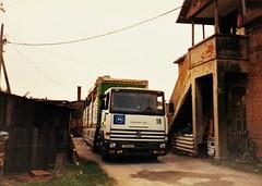 Renault R350 Major N°18 Ville de Sisak Croatie Hrvatska 1994 ax (mugicalin) Tags: truck oldtruck vintagetruck lkw croatie croatia hrvatska kroatien croazia хрватска хорватия хърватия croacia horvátország κροατία kroatië années90 1995 sisak 18 1397 rq 69 semiremorque semitrailer renault renaulttruck camionrenault renaultr renaultr350 r350 equilibre associationhumanitaire humanitarianaid europeancommunity 10fav