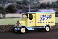Lledo Classic Cars No. 905 1931 Morris Van in Libero Livery P5210063 (Trevor Durritt) Tags: ©trevordurritt olympuscamediac750uz wwwthegeniescavecouk diecast lledo availablelight model digitalcompactcamera toy diorama libero dutch nappies diapers