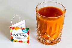 """Die neue Gemüsesuppe """"Gazpacho"""" von Innocent in ein Glas gefüllt, enthalt Weißweinessig, Knoblauch, Zwiebeln, Zitronen, Tomaten, rote Paprika und Gurke (verchmarco) Tags: vegan healthy noperson keineperson drink getränk food lebensmittel breakfast frühstück glass glas cup tasse delicious köstlich sweet süss health gesundheit refreshment erfrischung tea tee juice saft fruit obst hot heis liquid flüssigkeit stilllife stillleben tableware geschirr sugar zucker desktop cold kalt2019 2020 2021 2022 2023 2024 2025 2026 2027 2028 2029 2030 seascape bench village camera spain outside decoration feet historic countryside"""