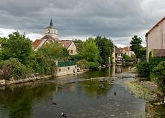 La Bèze et l'église (Livith Muse) Tags: église rivière arbre eau nuage canard bèze bourgogne france 20mm panasonic lumix gx7 mirrorless μ43 micro43 panasonic20mmf17ii lumixg20f17ii