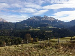 2017-11-01 iP JB 11309#ac (cosplay shooter) Tags: panoramaweg südtirol altoadige southtyrol italien italia italy x201904 100c deutschnofen