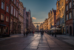 Dluga street in Gdansk (Vagelis Pikoulas) Tags: street photography gdansk poland europe travel holidays landscape city cityscape urban sun sunset tokina 1628mm canon 6d view long people april spring 2019