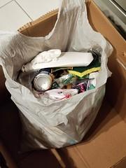20190324_025623 (math33math) Tags: waste bag basura garbage sac trash rubbish poubelle poubelles déchets déchet discarded