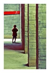 Au mémorial (Marie Hacene) Tags: nantes memorial abolition esclavage silhouette enfant mur lieu musée